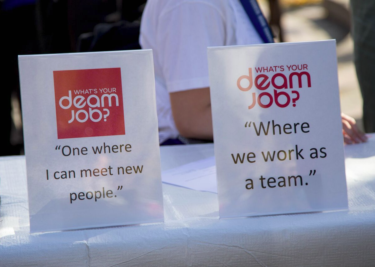 Celebrating DEAM: Save-On-Foods Cash Mob
